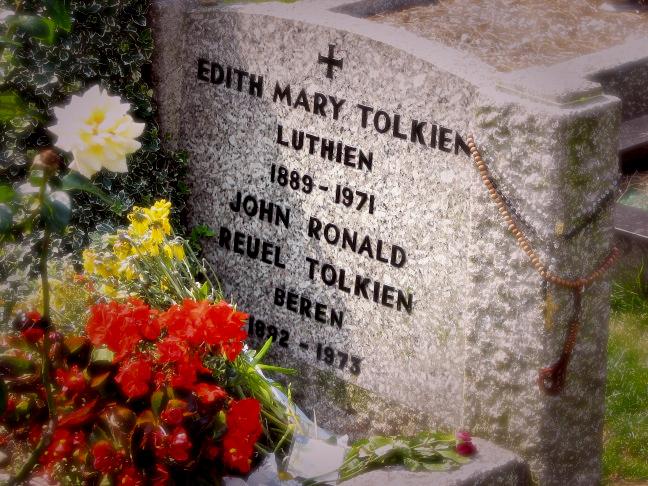 Tomba di Tolkien e della moglie