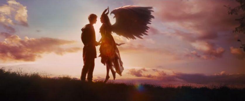 Romanticismo a carrettate e picchi glicemici spaventosi nel bacio di vero amore tra il futuro re Stefano e Malefica