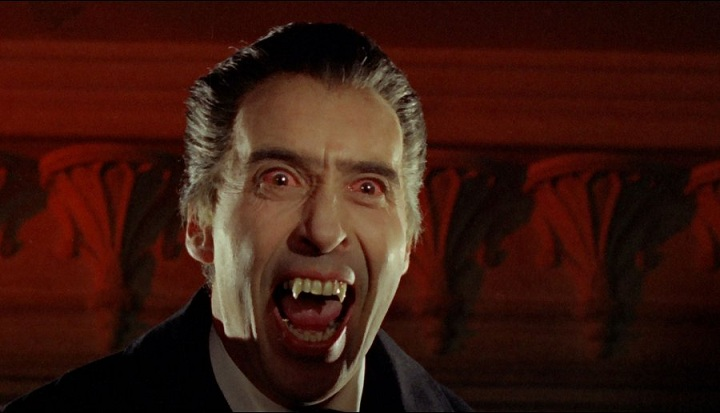 "Christopher lee che interpreta ""Dracula"""