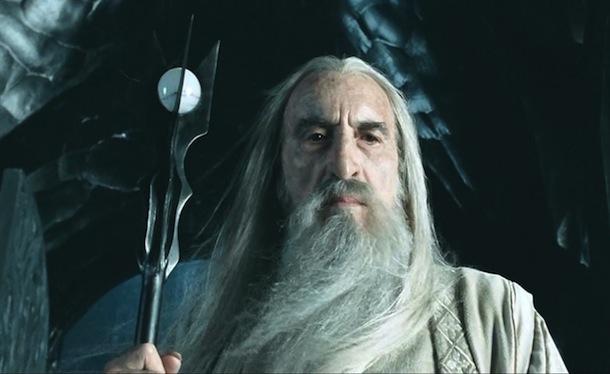 """Eccolo invece mentre interpreta """"Saruman"""" nel """"Signore deli anelli"""""""