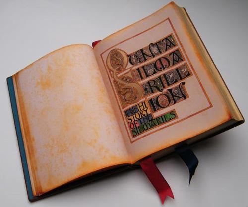 Il Silmarillion, libro aperto