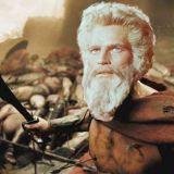 """Le figure contraffatte di Dio e Mosè nel film """"Exodus – Dei e re"""""""